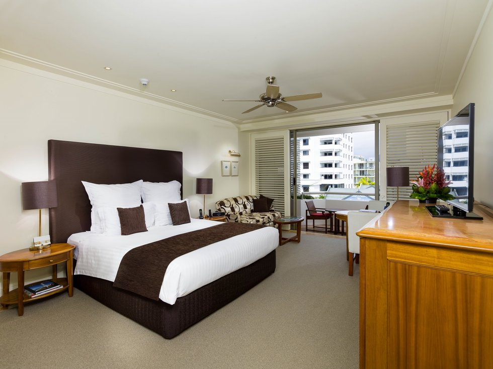 Hotel in Cairns - Luxury 5 Star - The Reef Hotel Casino